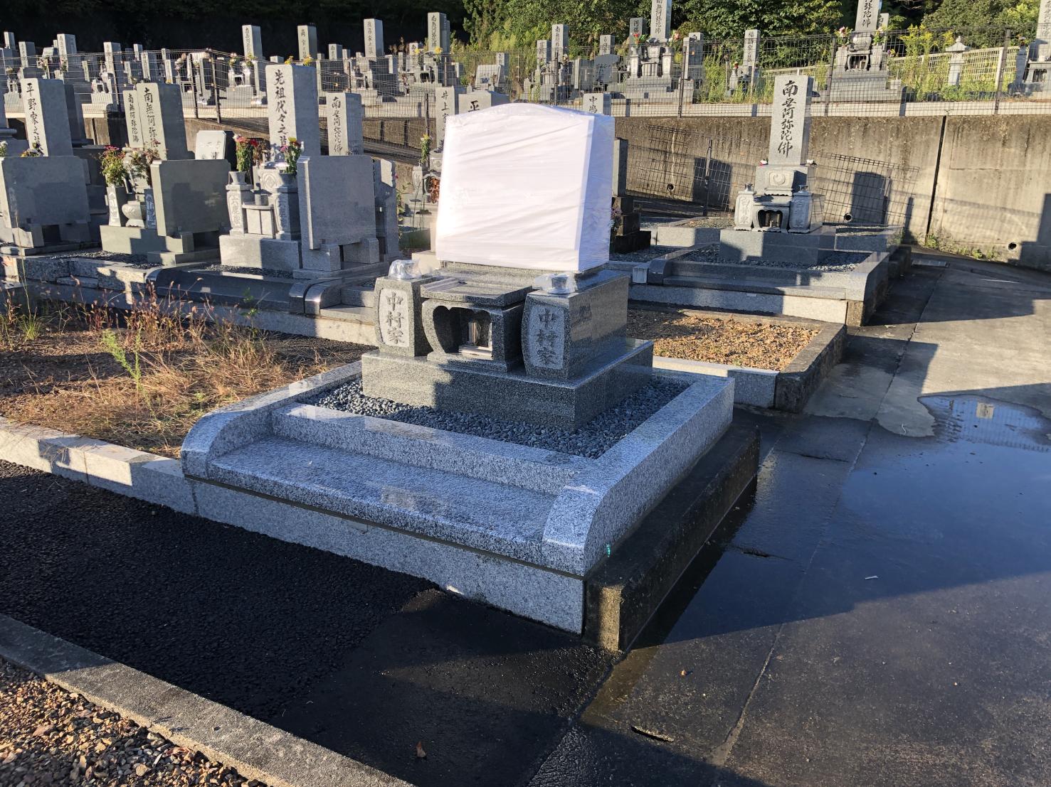 アーバングレー石の洋型墓石